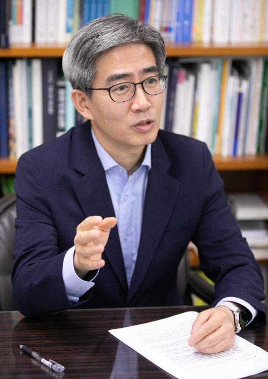 """[고견을 듣는다] """"코로나·최장 장마·연속 태풍… 기후변화 국민인식 터닝포인트 원년"""""""